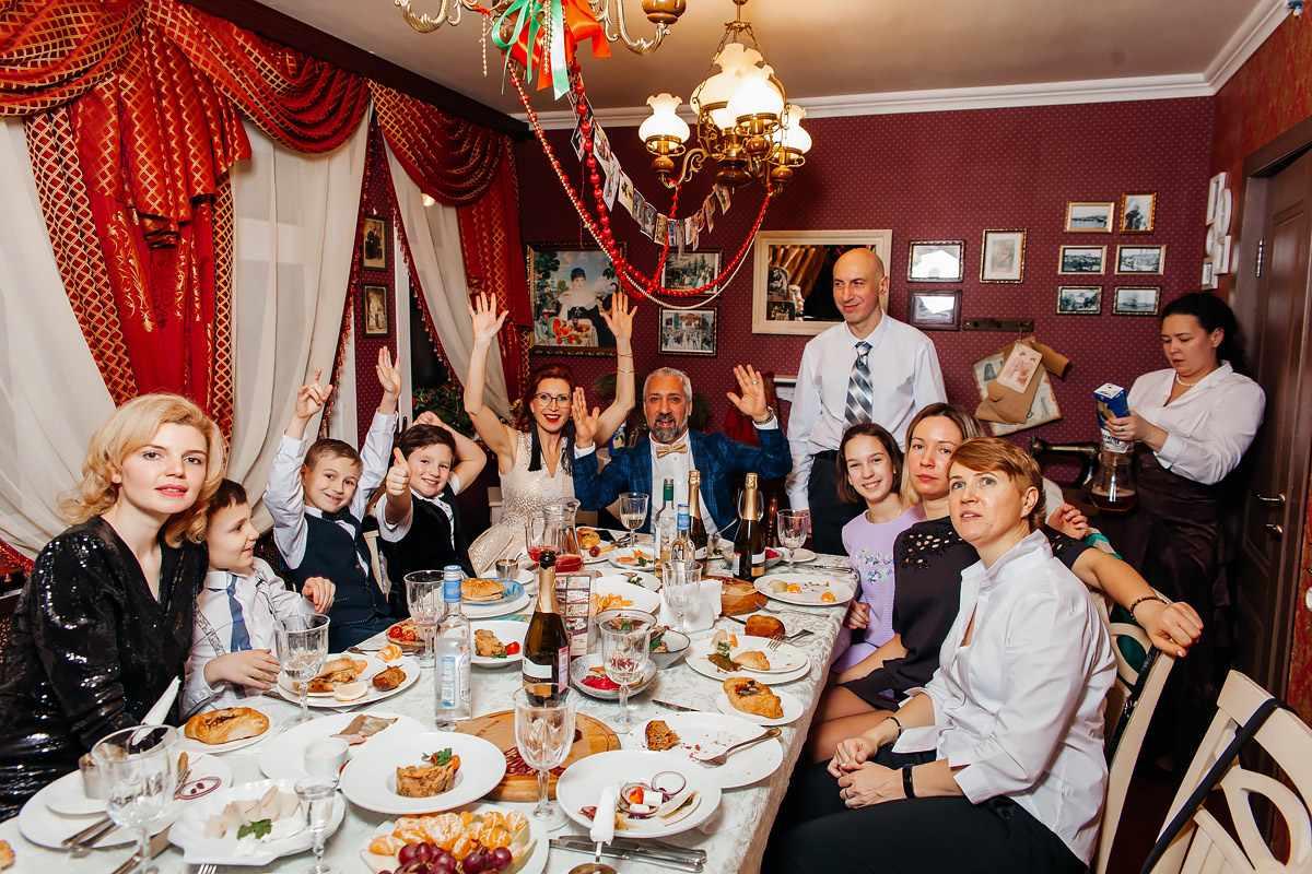 Праздники с семьей и друзьями на борту ресторана-дебаркадера «Старая Пристань»
